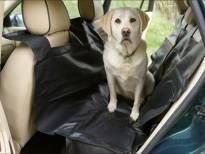 Универсално заштитно покривало за задните седишта на автомобилот
